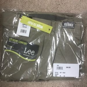 Lee pants sz 36 X 32 khaki work to play relax NWT